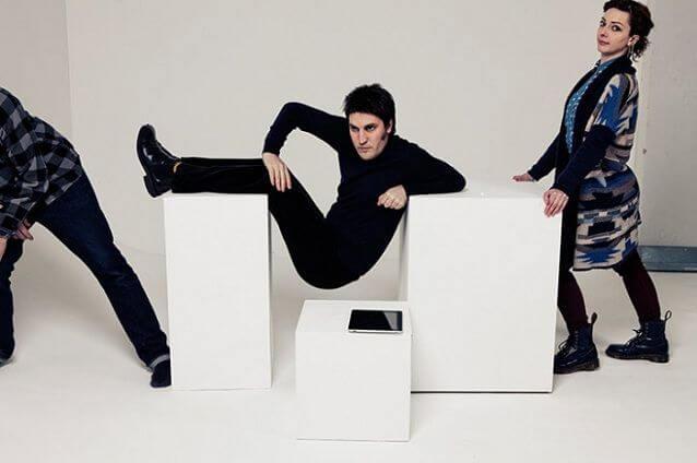 Noel-Fielding-lying-on-plinth